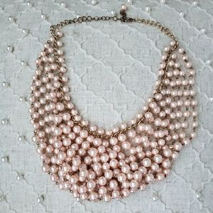 Jewelry - peach pearl necklace